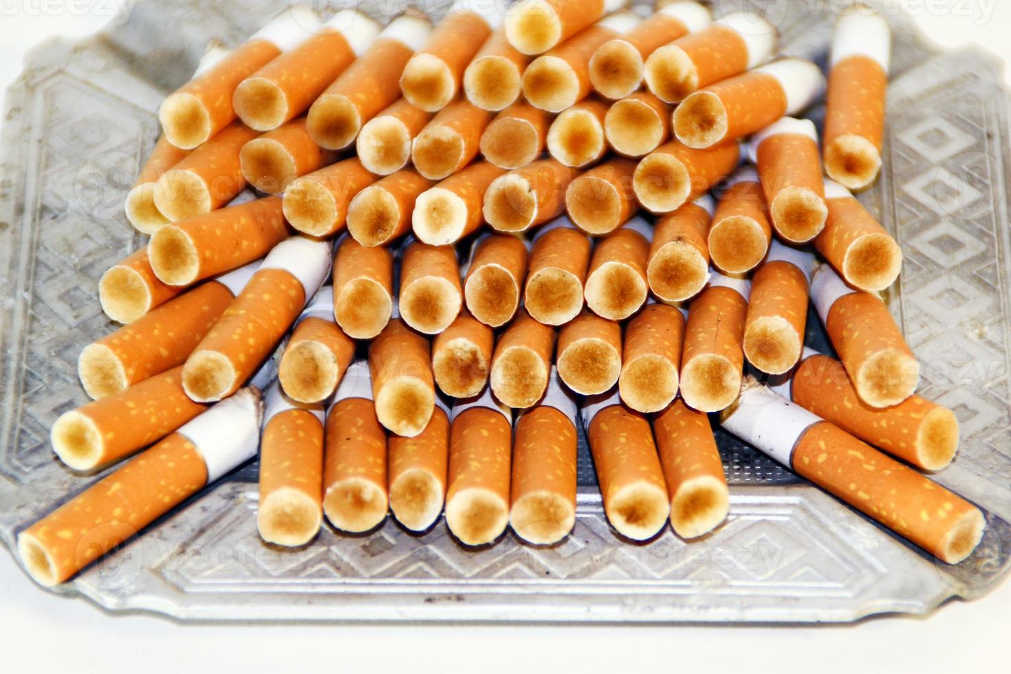 mégots de cigarettes photo