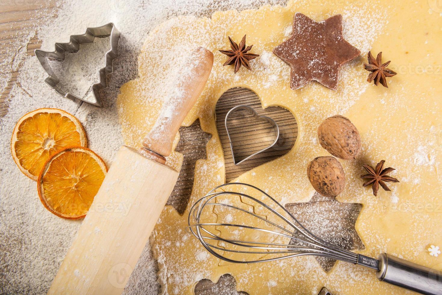 cuisson de Noël, biscuits, rouleau à pâtisserie, mélangeur, photo