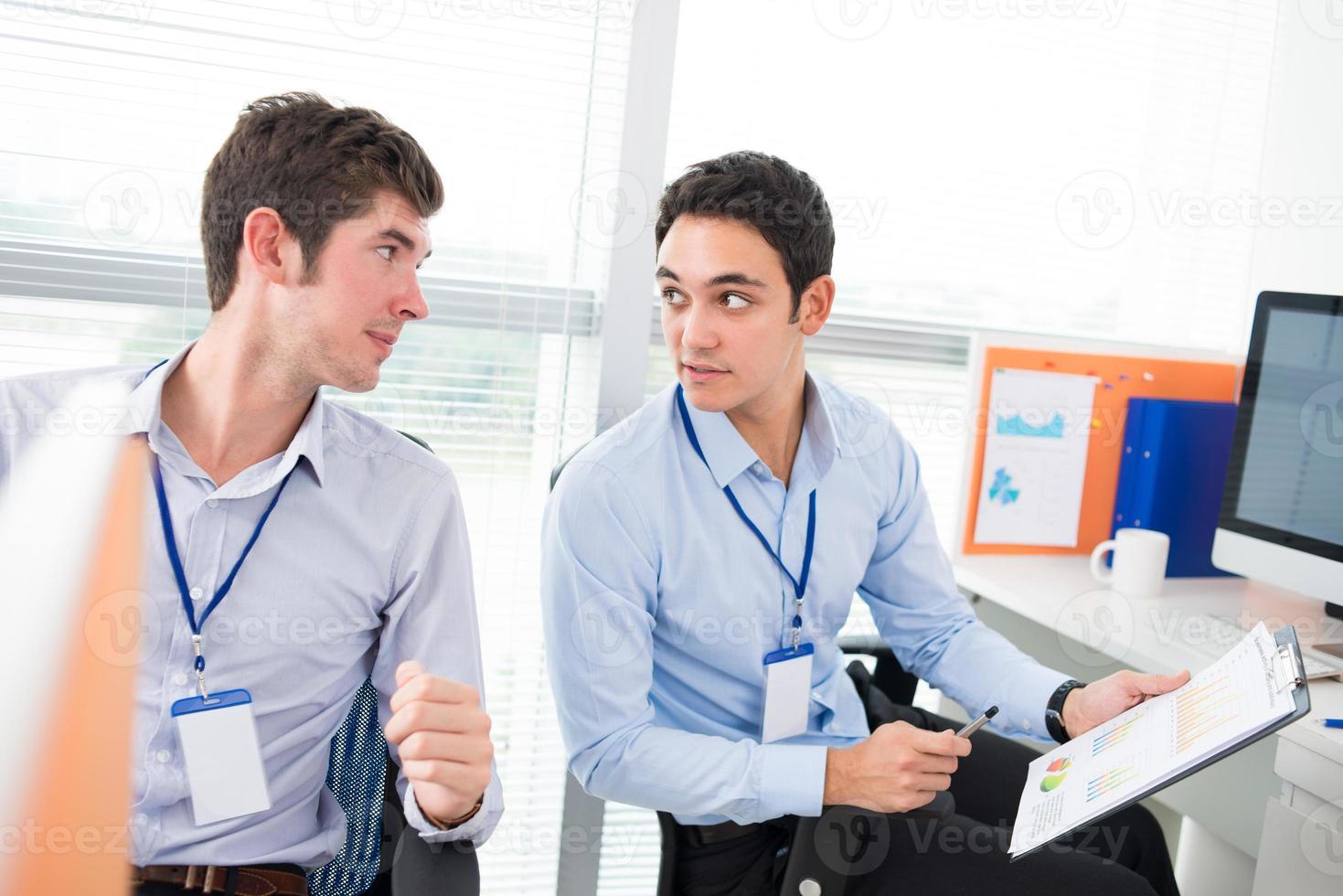 communiquer avec des collègues photo