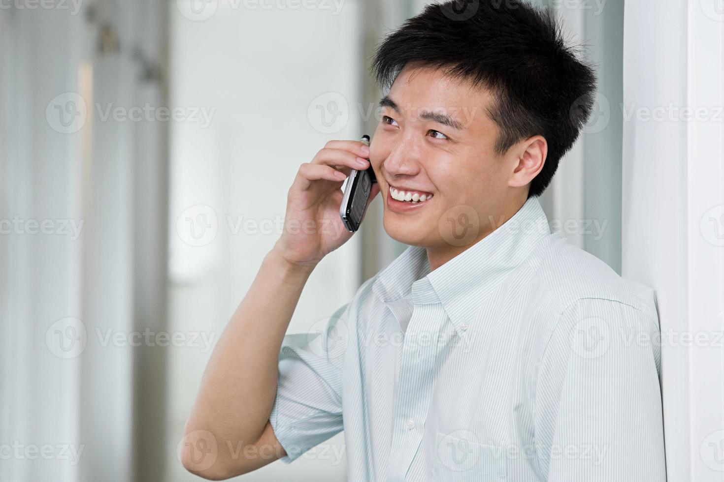 homme sur téléphone portable photo