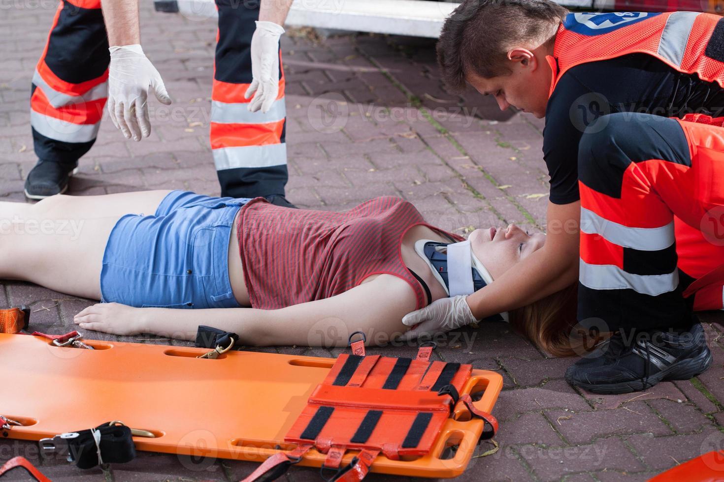 service d'urgence, prendre femme photo