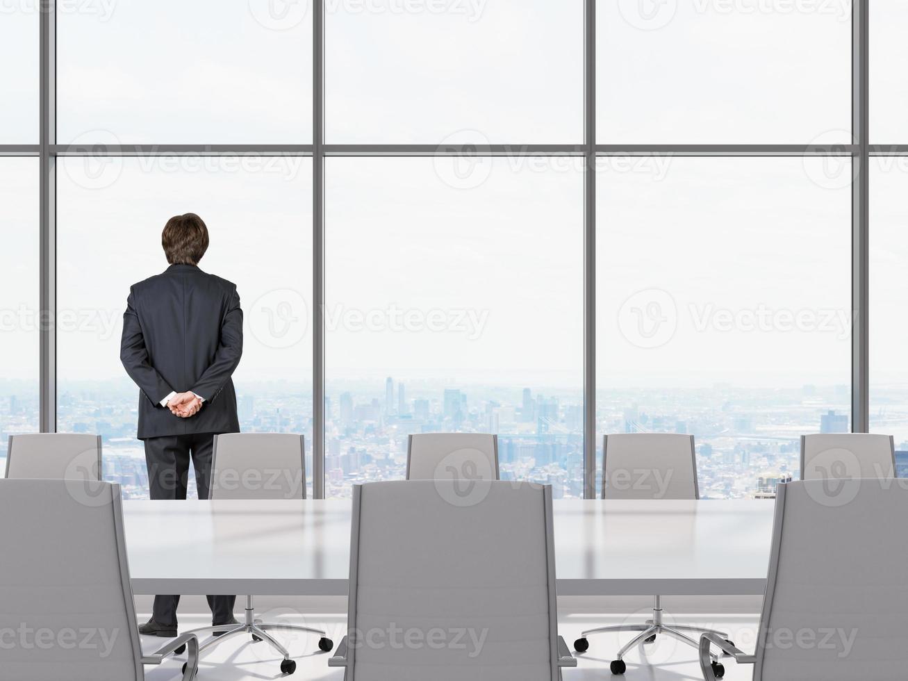 homme au bureau photo