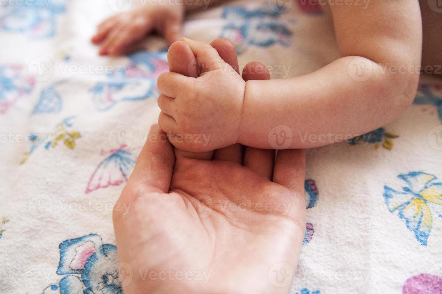 mère avec son nouveau-né photo