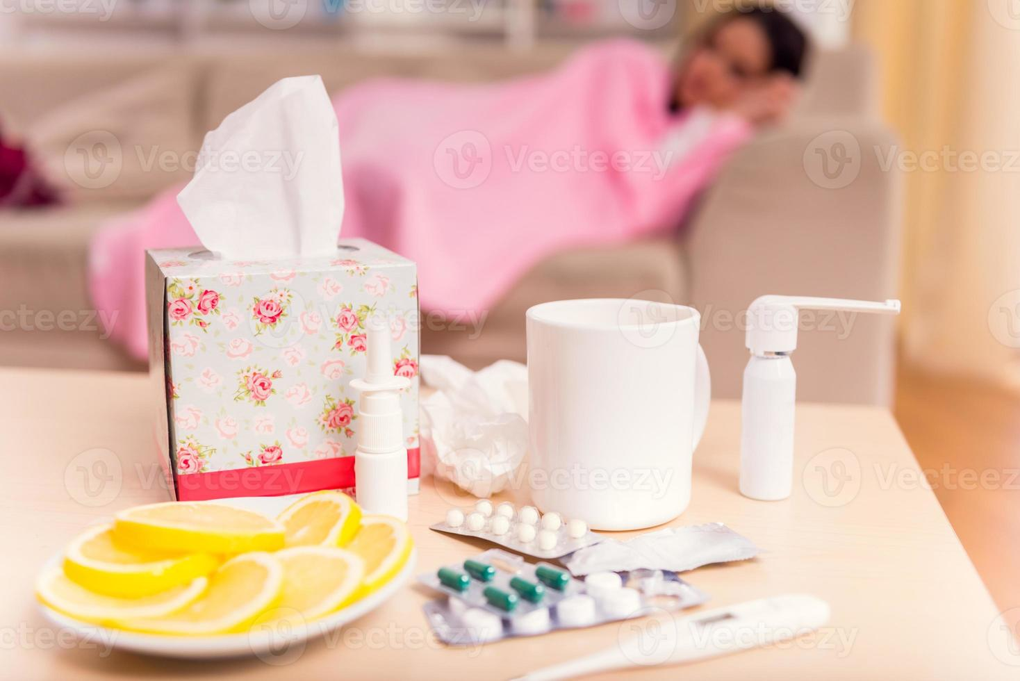 femme jeune maladie photo