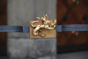 sculpture du signe du zodiaque en métal photo