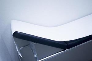 lit de patient de clinique d'hôpital de physiothérapie photo