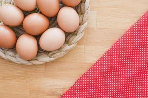 œufs bruns