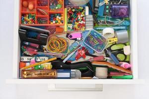 les mystères du tiroir de papeterie dévoilés photo
