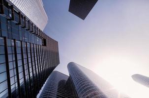 fish-eye vue de l'architecture moderne à paris. concept d'entreprise photo