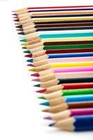 crayons de couleur alignés photo