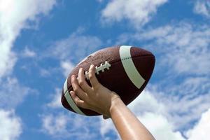 football contre ciel