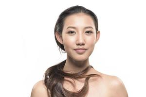 femme asiatique sur fond blanc photo