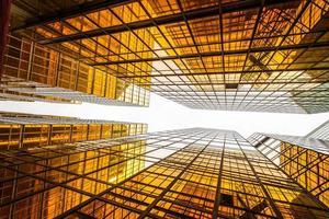bas affichage angle, de, moderne, gratte-ciel, extérieur, et, ciel photo