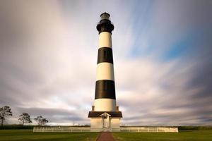 phare de bodie island-nuages en mouvement photo