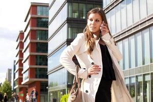 femme affaires, conversation téléphone photo