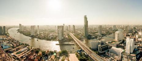 yeux d'oiseaux paysage urbain voir le thème jaune en Thaïlande.