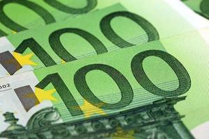 cent billets en euros photo