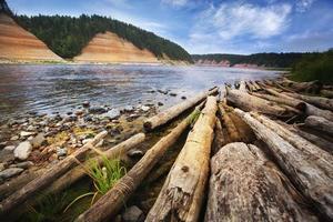 paysage au bord de la rivière photo