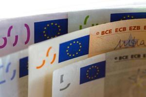 billets en euros. photo