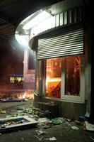 kiosque après les émeutes
