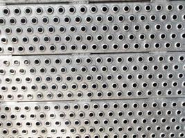 plaque de métal au sol photo