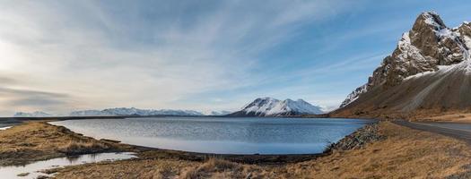 Vue paysage d'Islande de l'île de djupivogur photo