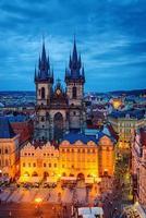 place de la vieille ville de prague, cathédrale de tyn photo