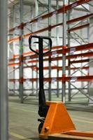 ascenseur hydraulique de main orange photo