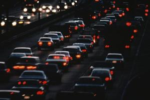 trafic urbain de nuit photo