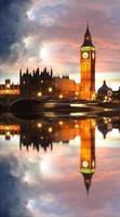 Big Ben célèbre dans la soirée avec pont, Londres, Angleterre