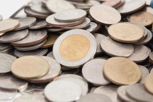 pièces de monnaie baht thaïlandais photo