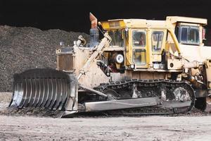 bulldozer travaillant photo