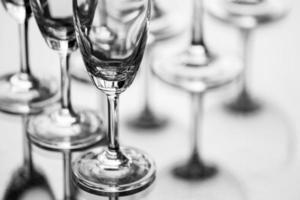 verres à vin vides, art abstrait photo