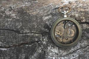 vieux moteur de montre de poche
