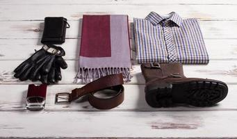 bel ensemble de vêtements pour hommes. photo