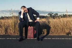 homme d'affaires frustré dans l'outback