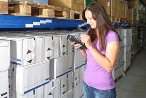 scanner de code barres femme photo