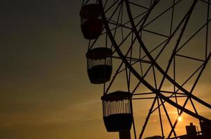 grande roue à luna park, sydney, coucher de soleil photo