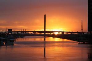 coucher de soleil sur le pont de bolte melbourne photo