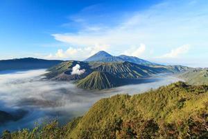 montagne bromo dans le parc national de tengger semeru