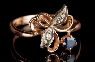 bague vintage avec diamants et saphir photo