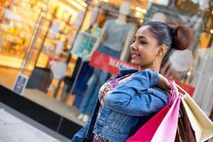 fille shopping