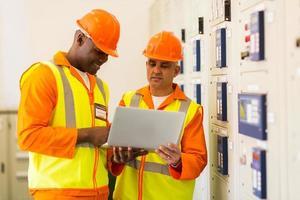 techniciens, utilisation, ordinateur portable, contrôle, salle photo