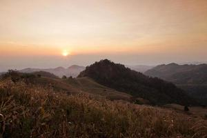 doi samer dao, point de vue au nord de la thaïlande. photo