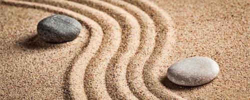 jardin zen japonais en pierre