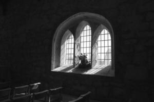 fenêtre de l'église aberdaron llyn péninsule photo