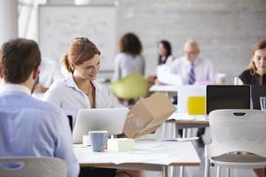 femme affaires, bureau, réservation, messagerie, collection photo