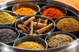 dabba masala (boîte à épices indienne) photo
