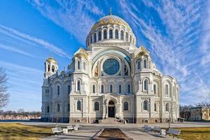cathédrale navale orthodoxe de st. Nicholas à Cronstadt, près de Sain photo