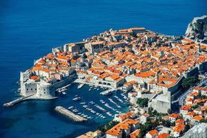 Vue de dessus de la ville de Dubrovnik photo